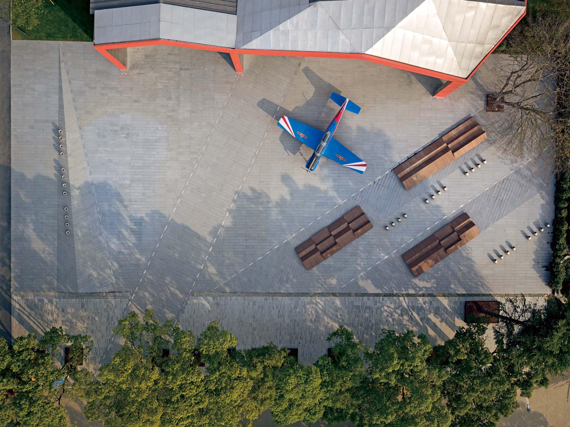 Elämyksellisyys näkyy lentokoneteemassa kiinalaisessa leikkipuistossa
