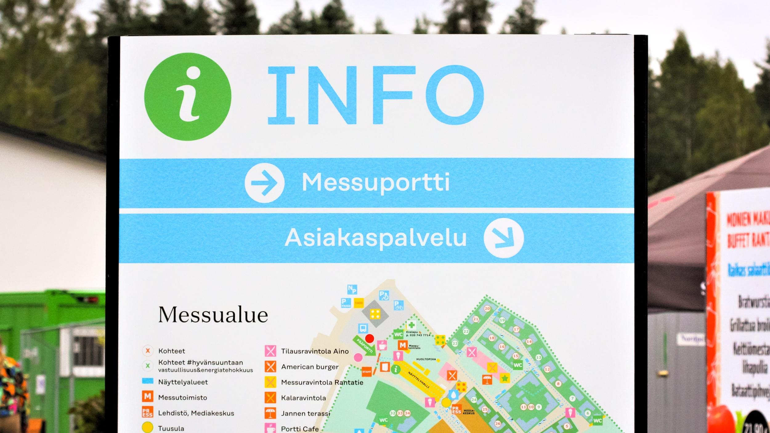 Asuntomessujen uutta ilmettä soveltava info-kyltti Tuusulassa